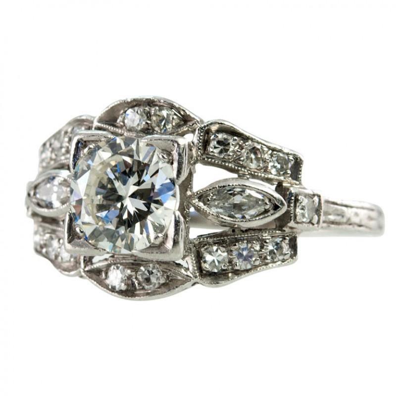 Art Deco 0.90 Carat Diamond and Platinum Engagement Ring