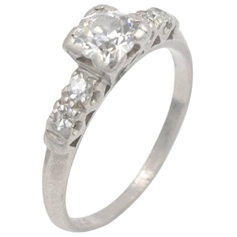 Art Deco 0.50 Carat Diamond and Platinum Engagement Ring