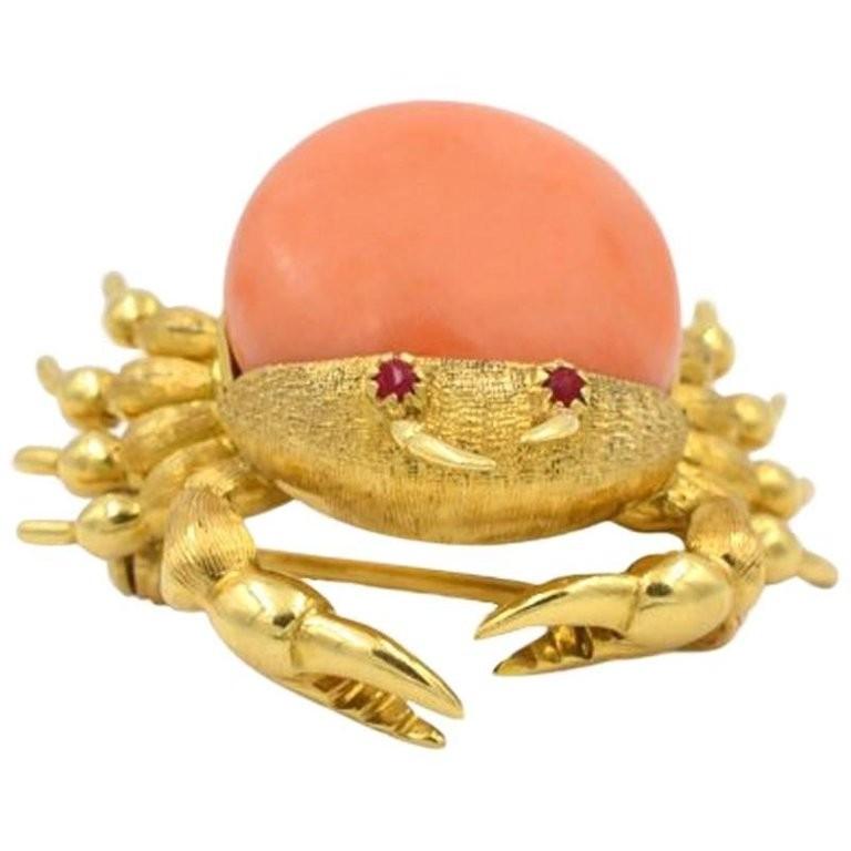 Vintage Coral Crab 18K Gold Brooch Circa 1960