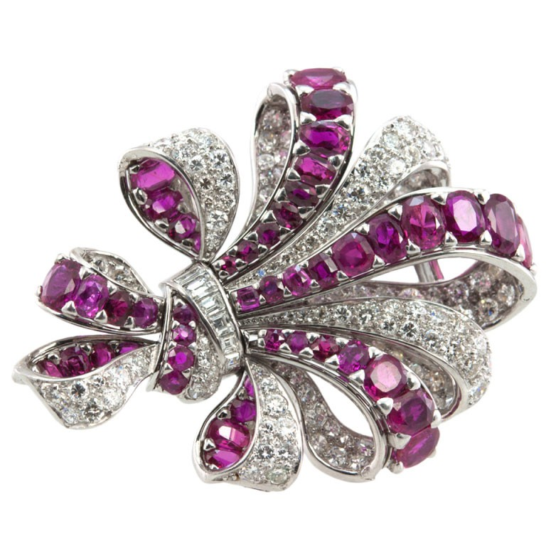 Vintage Ribbon Platinum Brooch with 10 Carats of Rubies and 8 Carats of Diamonds