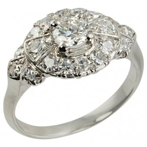 1940s Diamond Platinum Bow-Shaped Ring