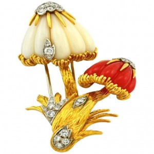 Van Cleef & Arpels Gold Mushroom Brooch with Coral and Diamonds