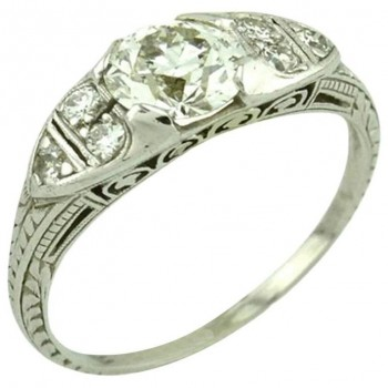 GIA Certified 0.93 Carat Diamond and Platinum Vintage Engagement Ring