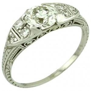 GIA Certified 0.93 Carat Diamond and Platinum Vintage Engagement Ring